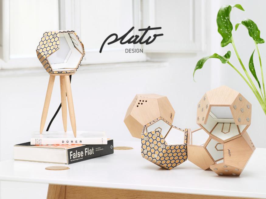 Foto Still Life Lampade Plato Design
